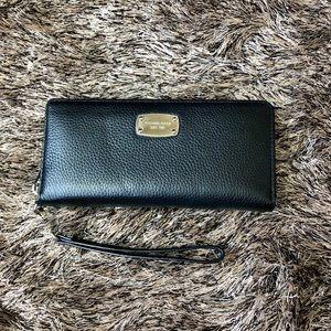 Michael Kors Jet Set Wallet/Wristlet